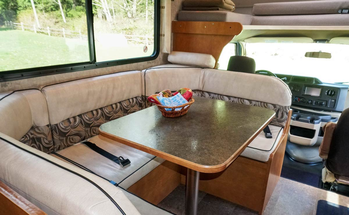 22' Motorhome - Table