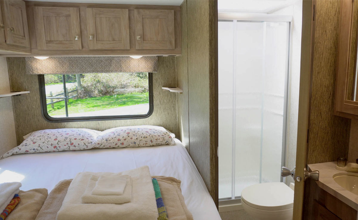 24' Motorhome - Bedroom