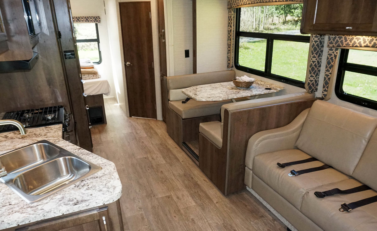 26' Motorhome - Living Space